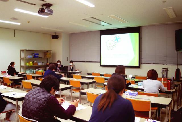 『高齢者虐待について学ぼう』のテーマで研修を行いました(11/25開催)
