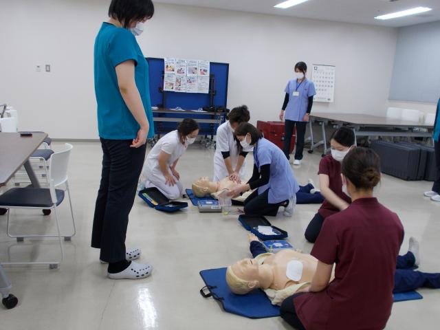 BLS(一次救命処置)研修を行いました